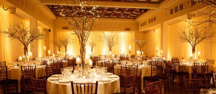 Iluminação âmbar para casamentos