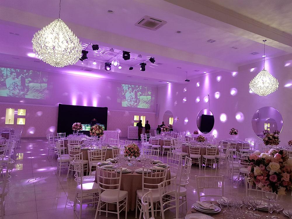 Iluminação cênica para eventos e casamentos
